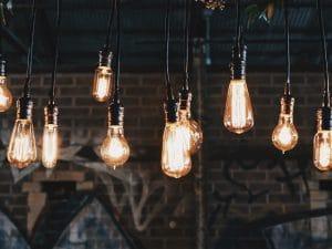 ampoules idées collaboratives participatives resilience organisation autonomie responsabilité